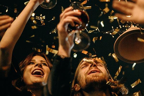 feste-di-capodanno-in casa-brindisi-anno-nuovo